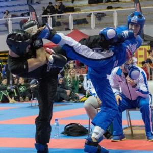 F. B. durante un combattimento di Kickboxing