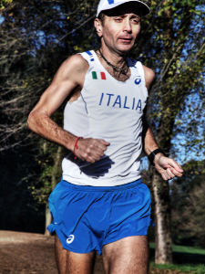 Giorgio Calcaterra con maglia dell'Italia