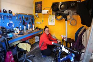 Adriana Anselmo in ciclofficina